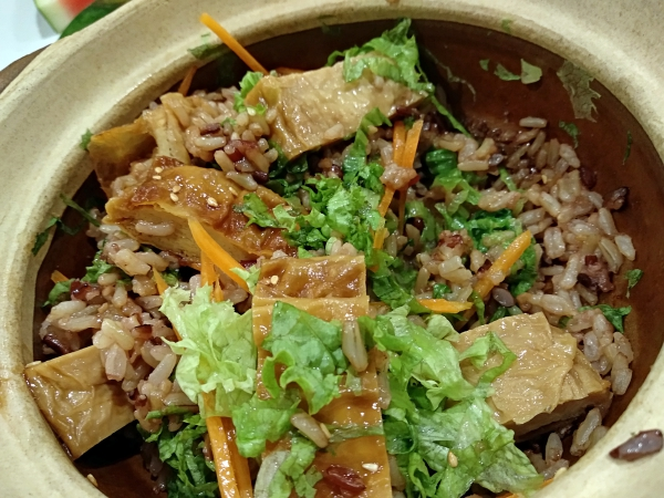 Claypot Chicken rice : Aenon The Health Kitchen, Cheras | Kuala Lumpur Best Restaurant Review 2018