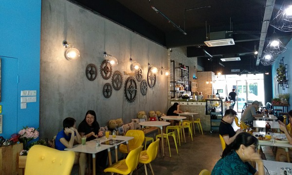 Second Interior of Twenty5 Restaurant Sri Petaling | Kuala Lumpur Best Restaurant Review 2018