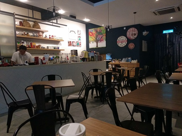 Inside view : Wake Me Up Cafe, PJ SS2| Kuala Lumpur Best Restaurant Review 2018